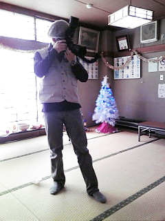 クリスマス会に戦場カメラマン渡部陽一が!