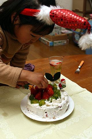 2008年12月25日 本番ケーキ 飾り付け中