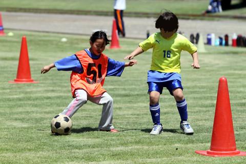 2012年5月13日 サッカー教室&母の日 やっぱり芝生の上はイイね